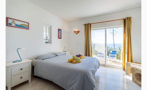 Schlafzimmer mit Meerblick / Bedroom with sea view