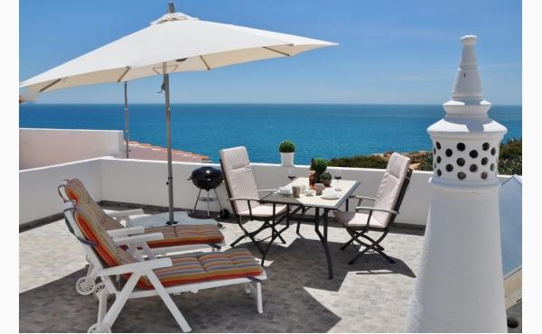 Terrasse mit fantastischen Meerblick / Terrace with sea view