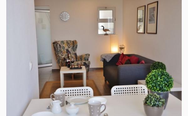 Wohnzimmer mit Klimaanalge / Livingroom with Aircon
